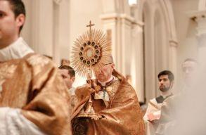 Lengyelországban az abortusztörvény óta egyre többen hagyják el a katolikus egyházat