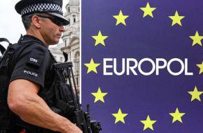 Üdvözlõlapokat küld a legkeresettebb bûnözõknek az Europol