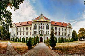 Pert nyert a Marosvásárhelyi Katolikus Líceum a tanfelügyelõség ellen