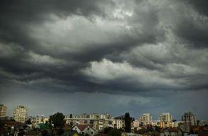Egy férfi életét vesztette a bukaresti viharban
