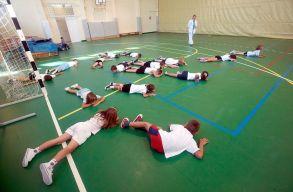 Növelnék a testnevelés órák számát az óvodákban, az iskolákban és az egyetemeken is