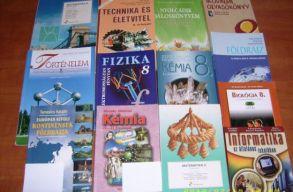 Ezentúl nem kell románra fordítani az anyanyelven megírt tankönyveket