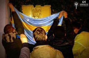 A román külügyminisztérium a Hatvannégy Vármegye Ifjúsági Mozgalom székelyzászlós akciója miatt tiltakozik