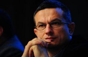 Asztalos Csaba szerint azoknak, akik magas pozícióban vannak, különösen kellene figyelni arra, amit mondanak