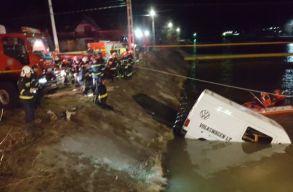 A Beszterce folyóba zuhant egy kisbusz, hét személy életét vesztette