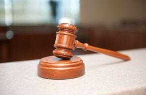 Elfogadta a szenátus a bírák és ügyészek jogállását szabályozó törvény módosításait