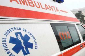 Kigyulladt egy munkásokat szállító autóbusz Maros megyében; tizenhárman megsérültek