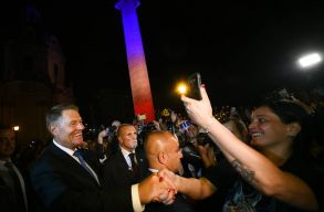 Johannis Rómában: azt hiszem, kezd helyreállni Romániában a társadalmi béke