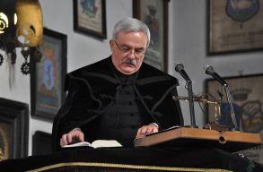 Újraválasztották tisztségébe Kató Béla református püspököt
