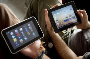 Minden iskola okostáblákat, minden gyerek táblagépet kap