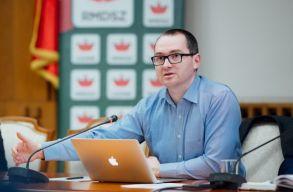 Az RMDSZ a parlament elé terjeszti majd az anyanyelvhasználatot bõvítõ közigazgatási kódexet