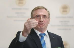 FRISSÍTVE: Lazãr bejelentette, hogy újabb legfõbb ügyészi mandátumra pályázik