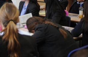 Döntés született a diákjait sértegetõ brassói tanítónõ ügyében