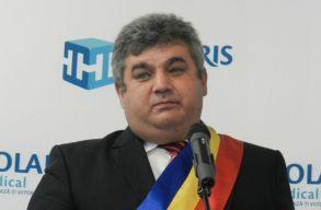 Felmentették tisztségébõl Kisbács polgármesterét