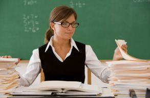 Több mint 27.700 pedagógus versenyvizsgázik ma