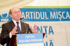 Bãsescu bejelentette, hogy év végén visszavonul a PMP-bõl