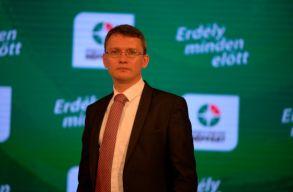 Az EMNP küldöttgyûlése megerõsítette Csomortányi Istvánt a pártelnöki tisztségben