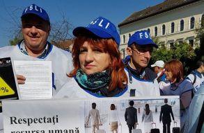 A tanügyi szakszervezetek szerint sürgõsen szükség van egy tanárokat védõ törvényre