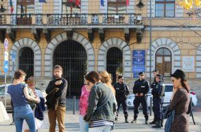 Kolozsváron csak néhány embert mozgatott meg a nõk elleni erõszak visszaszorításáért tervezett felvonulás