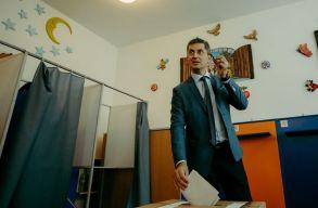 Szerda délig szavazhatnak az USR-tagok arról, hogy Dan Barna maradjon-e az elnök