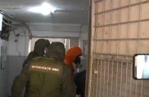 Még azok a rendõrök is gyógyszeres kezelésre szorulnak, akik biztosították a helyszínt a temesvári tömbháznál