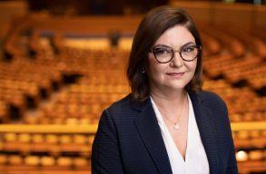 Elfogadta Adina Vãlean jelölését az EP, noha két bizottságnak is fenntartásai voltak