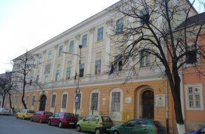 Megmarad az összes magyar osztály Kolozs megyében a következõ tanévben is
