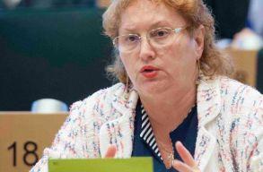 A nép ügyvédje az alkotmánybíróságon támadja meg a magánklinikákra vonatkozó kormányrendeletet