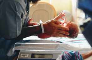 Bûnvádi eljárás indult a temesvári kórházban megfertõzõdött 10 újszülött ügyében
