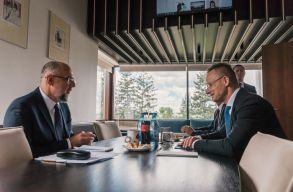 Kelemen kérte Szijjártótól, hogy Magyarország tegye 24 órássá az országon való átutazást a román állampolgárok számára is