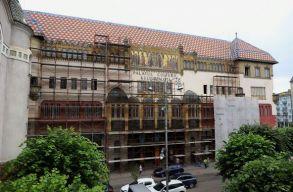 Felbontotta a megyei tanács a Kultúrpalota felújítási munkálataira vonatkozó szerzõdést