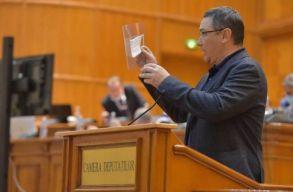 Kimondták: plagizált Victor Ponta, a miniszter aláírja a doktori cím visszavonását