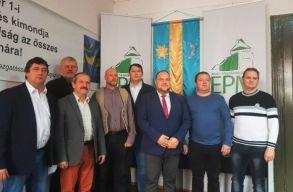 Az MPP 12 Maros megyei szervezete távozásra szólította fel Mezei Jánost