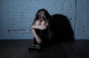 Kihirdette Johannis a törvényt, amely szigorúbb büntetéssel sújtja a kiskorúkkal szembeni szexuális abúzust