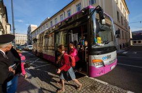 A magániskolákba járó tanulók is ingyen utazhatnak a közszállítási eszközökön