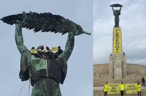 Maszkot tettek a budapesti Szabadság-szobor arcára