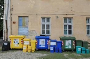 Így kell majd szelektíven gyûjteni a hulladékot július 1-jétõl Kolozsváron