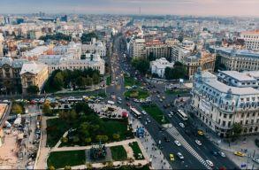 Kitiltanák Bukarest központjából a környezetszennyezõ autókat