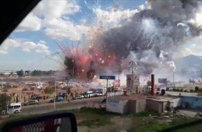 Hatalmas robbanás egy mexikói pirotechnikai piacon