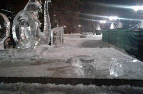 Megrongálták a sepsiszentgyörgyi jégszobrot