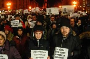 Több városban tüntettek csütörtök este is a közkegyelmi rendelet tervezete ellen