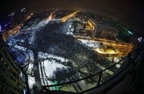 Tízezrek tüntettek országszerte a Btk. módosítása miatt