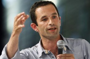 Benoît Hamon volt oktatási miniszter lesz a francia baloldali államfõjelölt