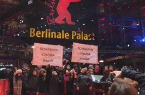 A Berlinale vörös szõnyegén is tüntettek a román filmesek