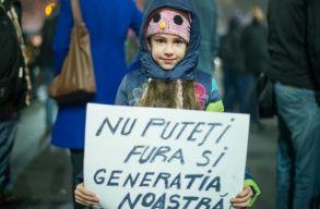 Valóban törvényellenes, ha egy szülõ kiskorú gyermekével vesz részt a tüntetésen?
