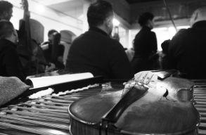 Vallomások szóban és zenében a kolozsvári táncház elsõ évtizedeirõl