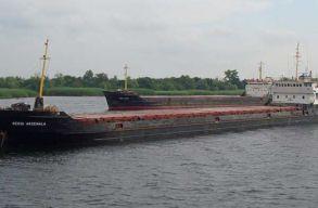 Kettétört és elsüllyedt egy török hajó a Fekete-tengeren