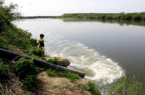 A román vízügyi hatóságnak sincs tudomása a Szamos szennyezésérõl