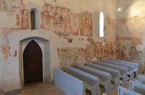 Felújították a sepsikilyéni unitárius templom Szent László-freskóját