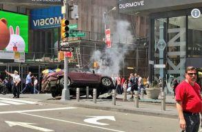 Személygépkocsival gázolt gyalogosokat egy férfi New Yorkban